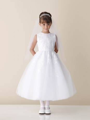 For The 7 And 8 Year Old Girls Something More Elegant Sophisticated Will Highlight Their Beauty They Can Be Guiding A Little One Beside Them Or